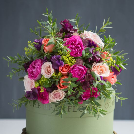 Bright Garden Rose and Sweet Pea