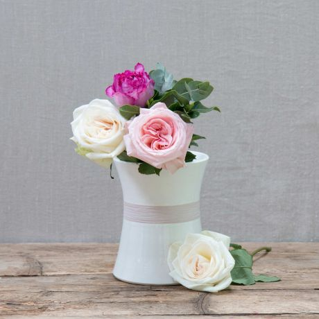 Green Hand-painted Raffia Vase for flowers