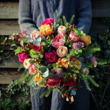 carries vintage jewels bouquet