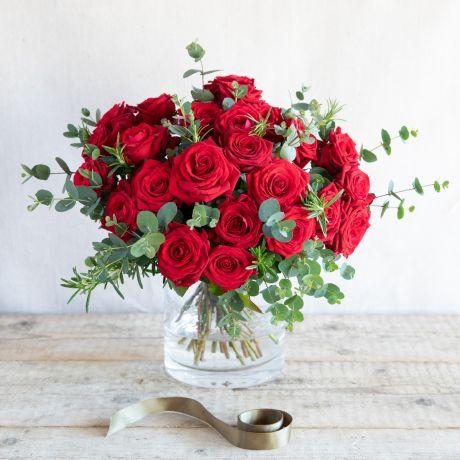 classic valentines bouquet