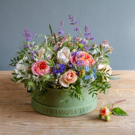 english romance hat box arrangement
