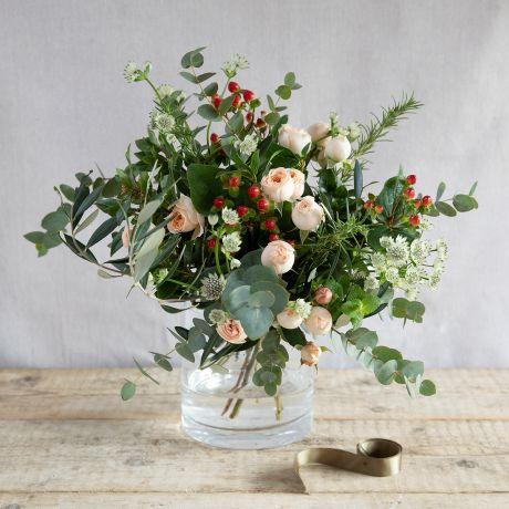 pavlova posy bouquet