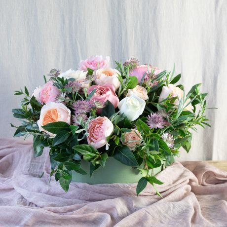 romantic Juliet hatbox arrangement