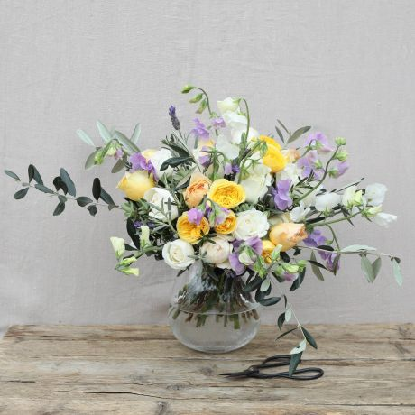 sun and sky english sweetpea bouquet