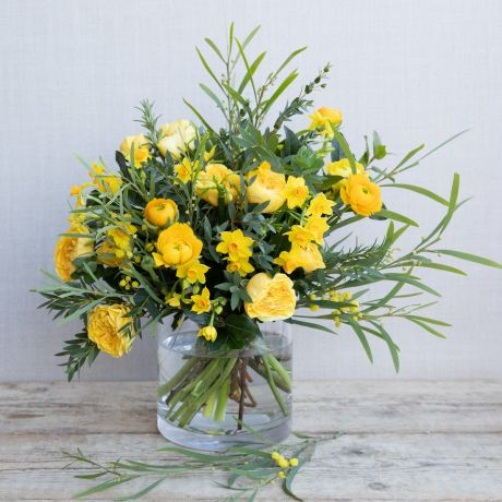 yellow spring posy