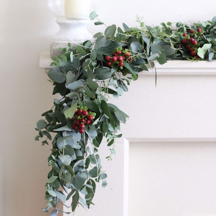 Foliage and Berry	Garland