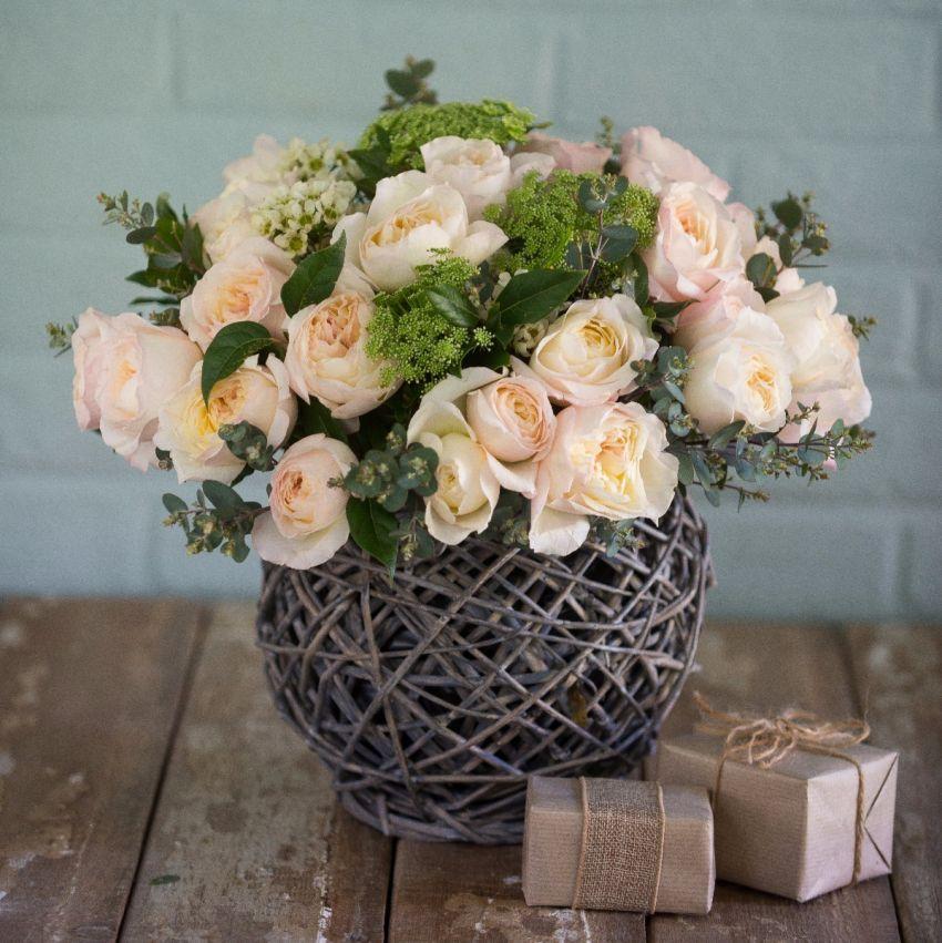 David Austin Keira Christmas Bouquet