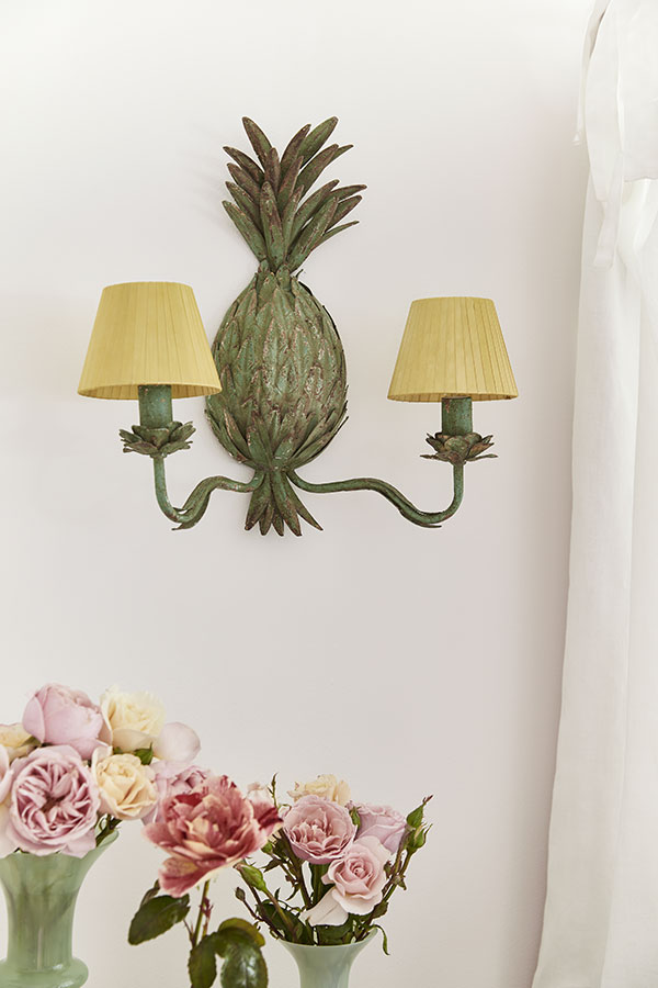 www.sophieconran.com-0207-603-1522-Pineapple-Wall-Sconce---£85.00