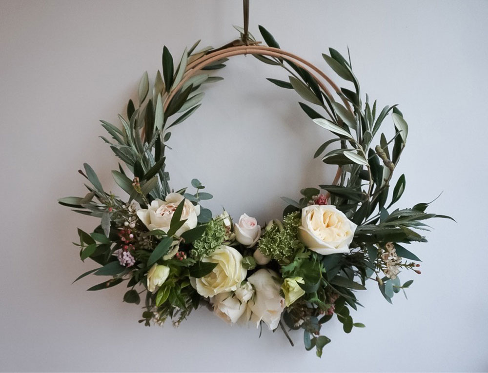 The art of making your own wreath | The Real Flower Company blog