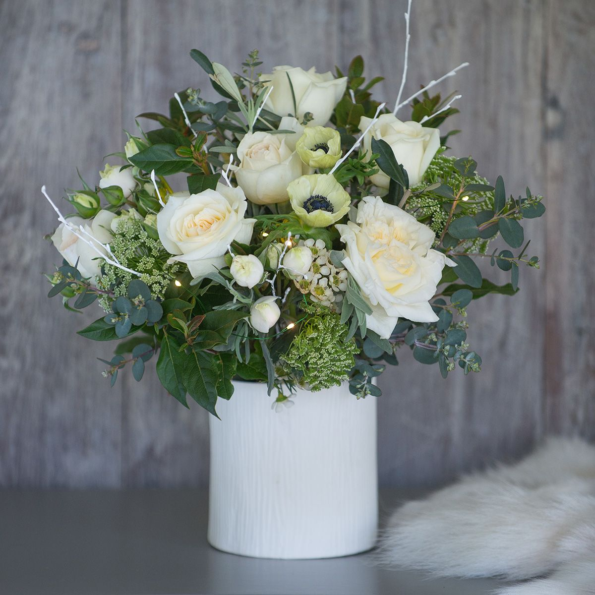 Why buy flowers for Christmas and what to choose?