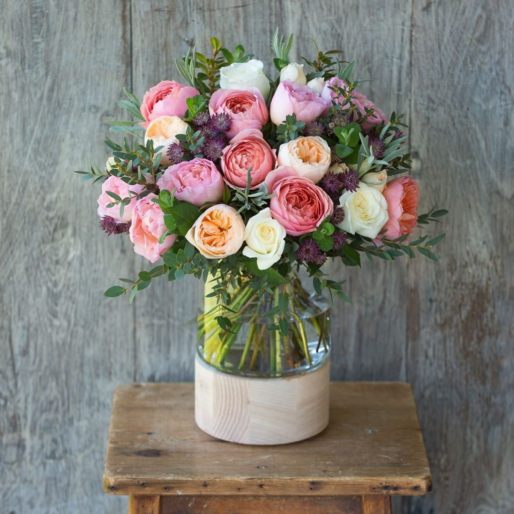 Our Romantic Juliet is not only our best selling bouquet but also makes for an amazing surprise gift