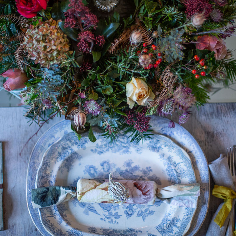 How to Create a Stunning Christmas Table